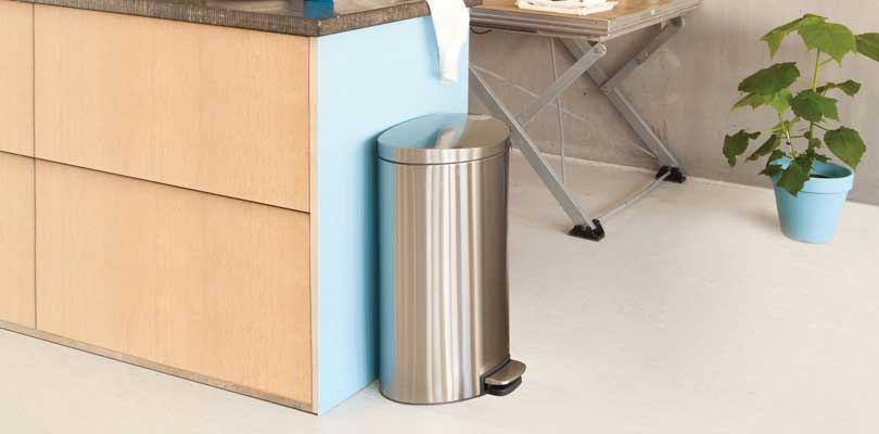 freestanding-recycling-trash-can