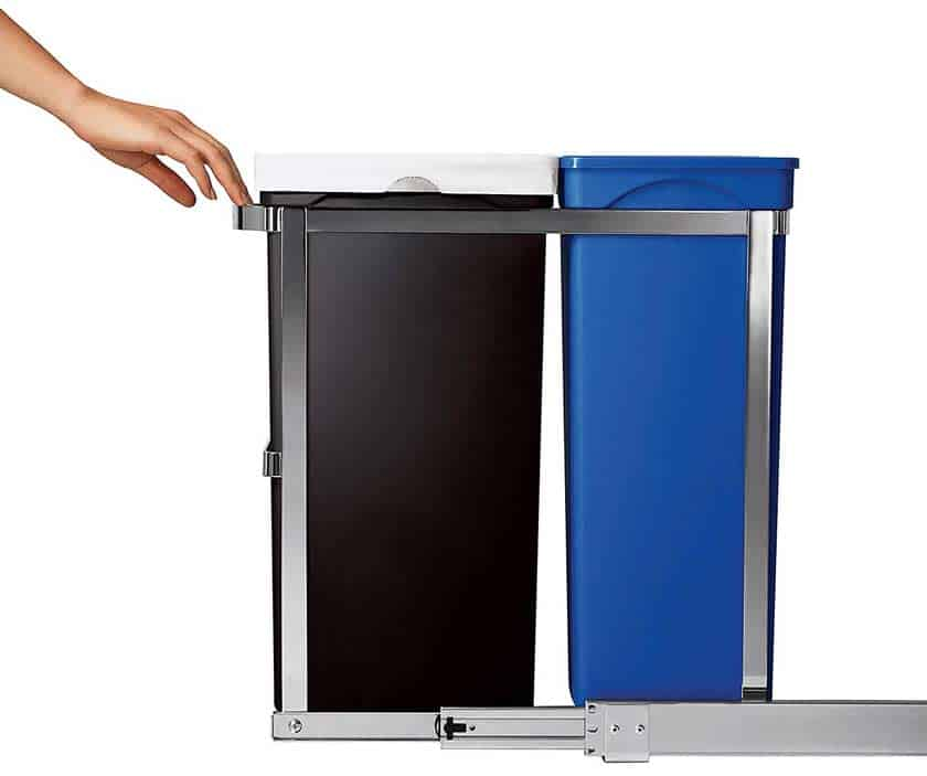 pull-out-mechanism-of-simplehuman-trash-can