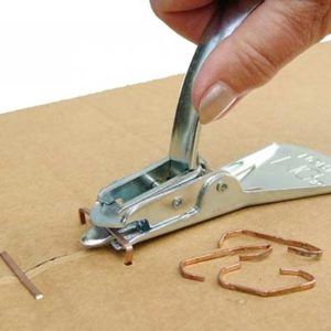 removing-staples-from-cardboard-box