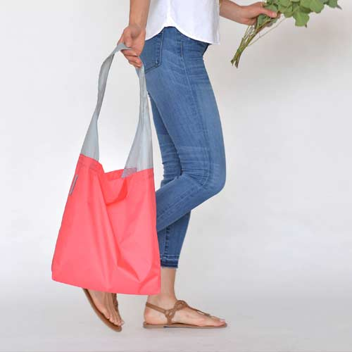 Flip-and-Tumble-Reusable-Grocery-Bag-long-handle