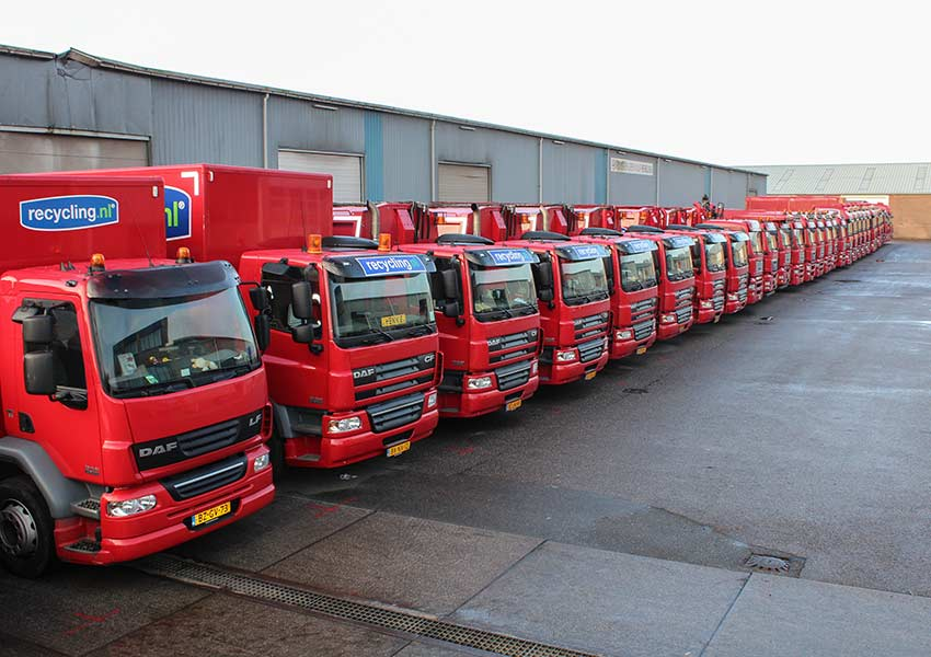 row-of-nijssen-recycling-brantjes-trucks