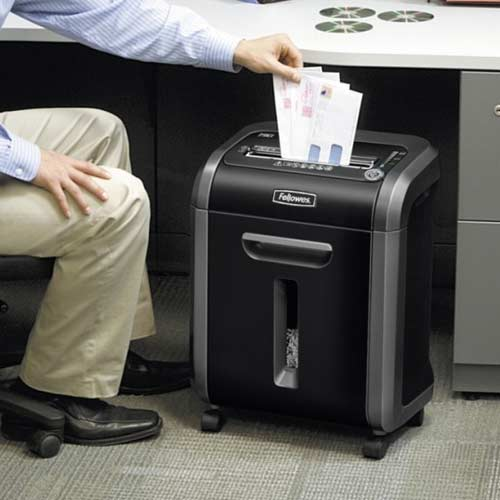 Fellowes-Powershred-79Ci-small-office-desk-side