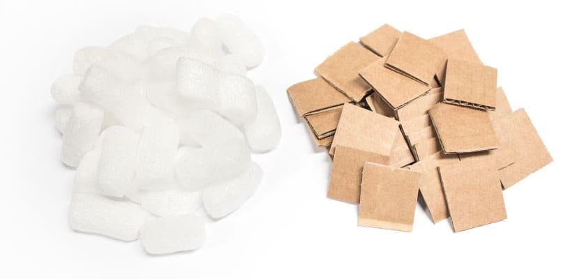 plastic-opvulmateriaal-of-duurzaam-karton-verpakkingsmateriaal-peanuts