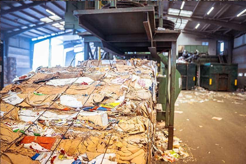 horizontale-balen-pers-kartonbalen-recycling